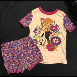 Girls Disney Frozen pjs